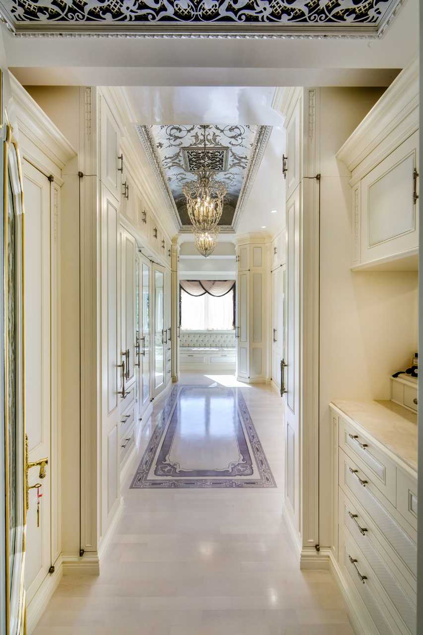 Ercp Room Design: 2. Elegant Traditional Master Bedroom Closet